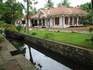 希臘椰島庫姆阿拉康民宿飯店Coconut Creek Kumarakom Homestay Hotel