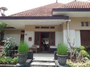 莫爾巴布民宿Merbabu Guest House