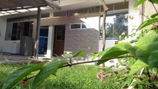 HOLIDAY HOUSE - casa privada / frente al río Madre de Dios