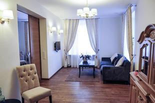 Luxurious & Stylish Sv. Mykolo Apartment