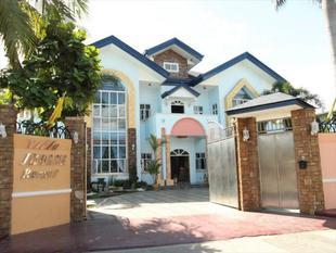 喬安娜度假別墅飯店 Villa Jhoana Resort