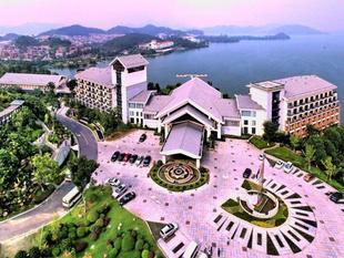 杭州臨安中都青山湖畔大酒店Hangzhou Wonderland Hotel