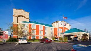 最佳西方PLUS機場套房旅館Best Western Plus Airport Inn and Suites