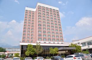 泰安泰山尊皇酒店Zunhuang Hotel