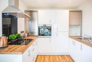 1BR Lovely Apartment in the heart of Media City