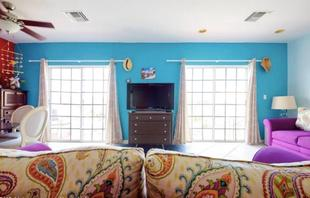 Sunny Condo in Perfect Sandyport, Nassau, The Bahamas