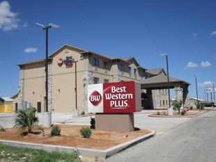 最佳西方PLUS大湖旅館Best Western Plus Big Lake Inn