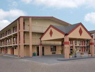 斯普林菲爾德44號州際公路戴斯套房旅館Days Inn & Suites by Wyndham Springfield on I-44