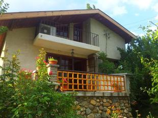 The 1st Guest House in Kyustendil - Guest Villa - Casa Rosa - Suitable for Families, Friends, Relax, Sport Enthusiasts and Travel Addicts