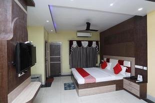 OYO 25006 Hotel Tr Palace