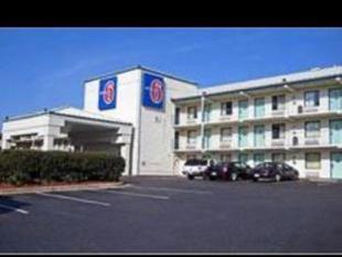 西南拉雷卡里6號汽車旅館