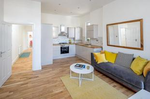 2 Bed Apartment, STREATHAM HILL - SK