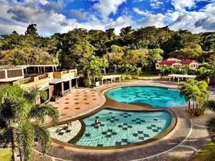 蘇比克度假別墅飯店Subic Holiday Villas