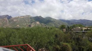 Stunning Views of the Catalina Mountains ! Furnished Retreat!
