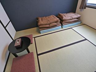 廣島悅動飯店J Hoppers Hiroshima Guest House