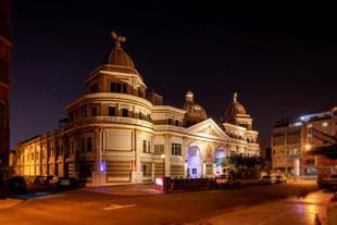國妃鷹堡汽車旅館