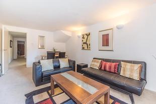 2 Bedroom Apartment Gloucester Road - SK