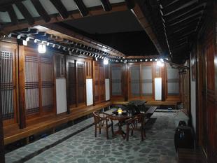 仁寺洞拌飯韓屋旅館
