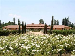 Hotel Vina La Playa / Hotel&Winery