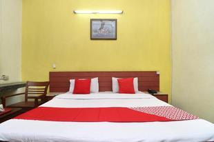 OYO 10605 Hotel Star INN