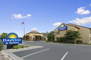 奧馬哈東北戴斯旅館Days Inn & Suites by Wyndham Omaha NE