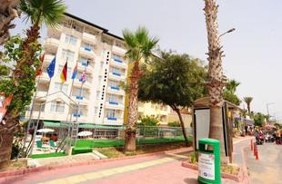 塞姆特月亮海灘全包式酒店