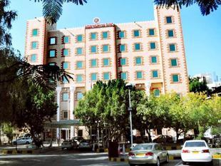 庫隆瑞梅蓋斯特林飯店 Ramee Guestline Hotel Qurum