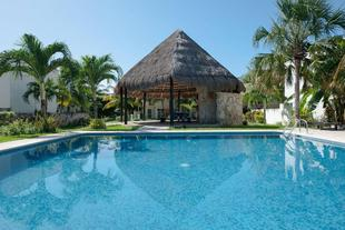 AWESOME House with pool near the beach CAR RENTAL opt