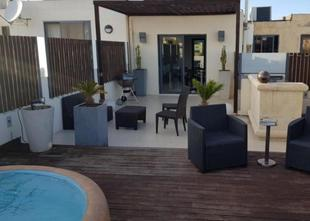 luxurios finished duplex penthouse