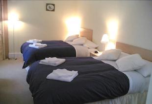 雅典娜旅館