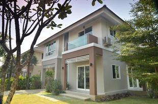 PandaBamboo's House