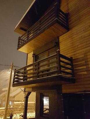 Three Peaks Inn
