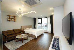 Luxury studio apartment at West Lake (B)