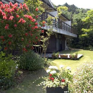 真潮渡假飯店 (大島町)