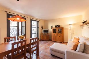 Lets Holidays apartment Pau Moreu
