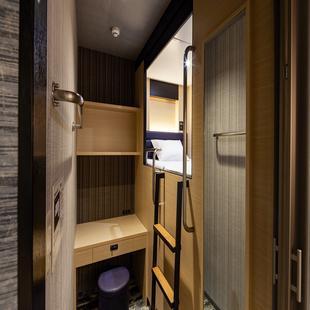 那霸國際通 Y's 太空艙飯店Y's Cabin & Hotel Naha Kokusaidori